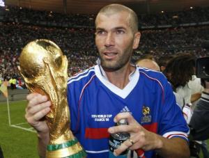 Zinedine Zidane ketika memenangi Piala Dunia 1998